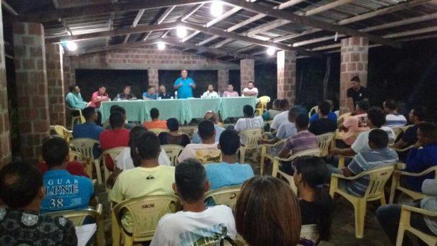 http://www.blogdofelipeandrade.com.br/2016/06/prefeito-de-pitimbu-reune-vereadores-e.html