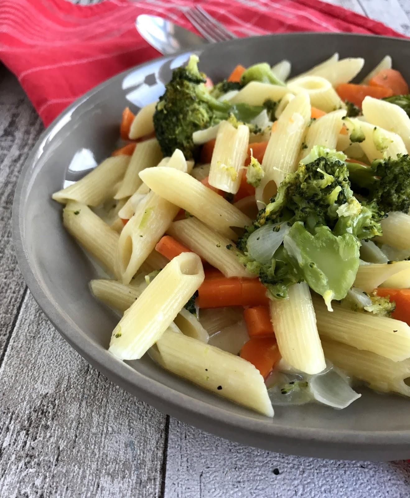 lanisleckerecke one pot pasta mit m hre und brokkoli. Black Bedroom Furniture Sets. Home Design Ideas