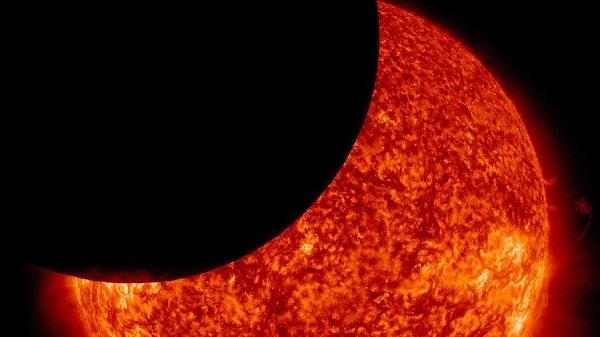 Η μεγαλύτερη σεληνιακή έκλειψη του αιώνα