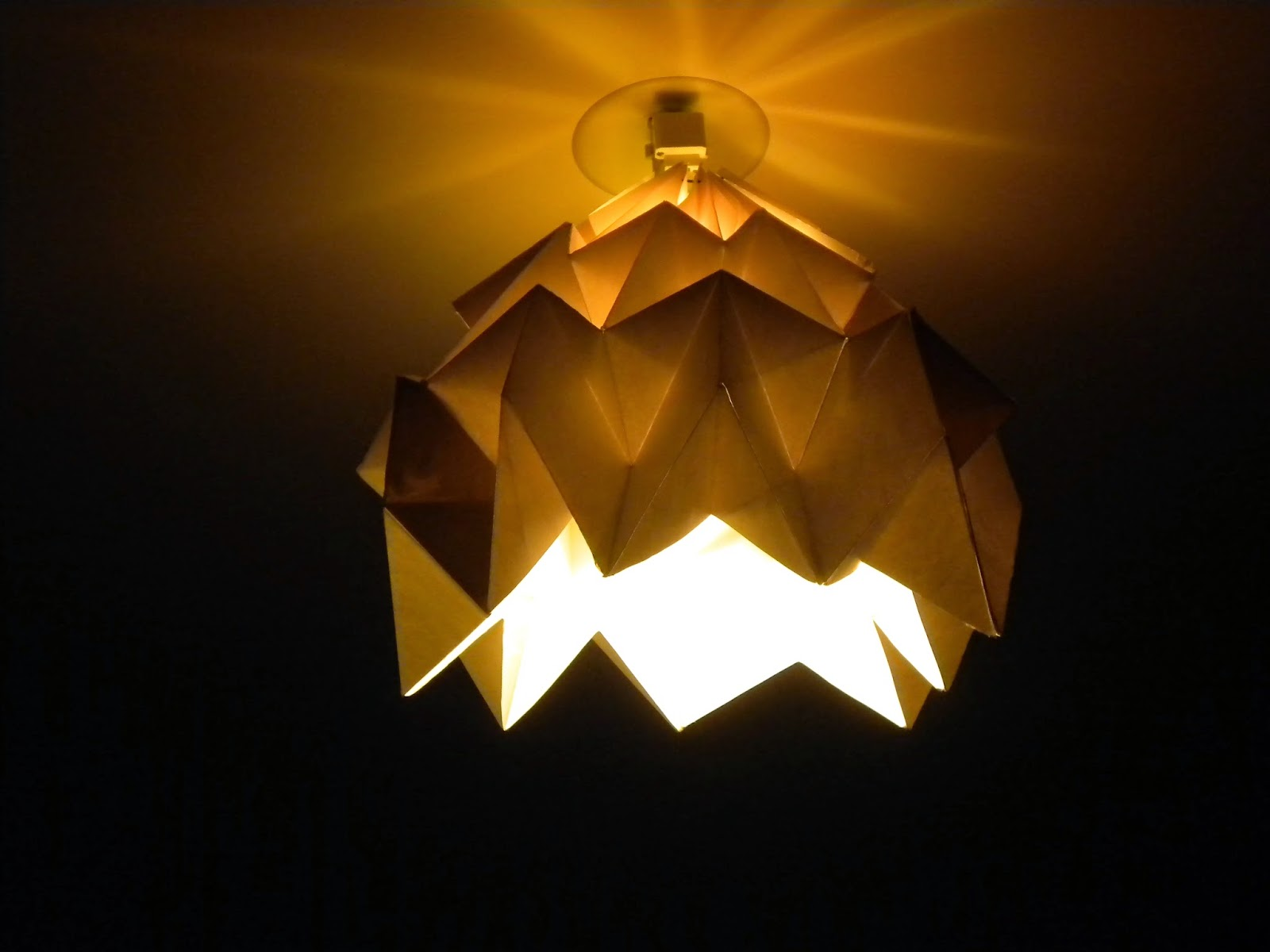 roze pompon mon nouveau lustre origami. Black Bedroom Furniture Sets. Home Design Ideas