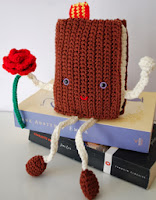 http://crafteandoqueesgerundio.blogspot.com.es/2013/04/patron-libro-y-rosa-de-sant-jordi.html?spref=fb