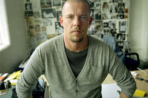 Estilista Alexander McQueen