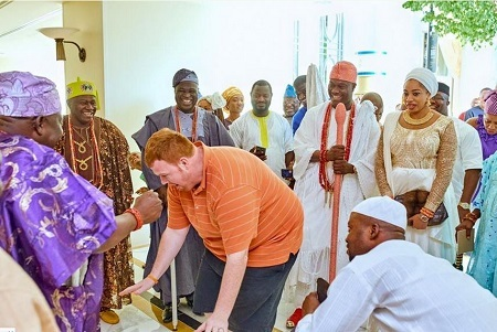 So Funny! Fat Oyinbo Man Dances for Ooni of Ife and His Friends (Photos)