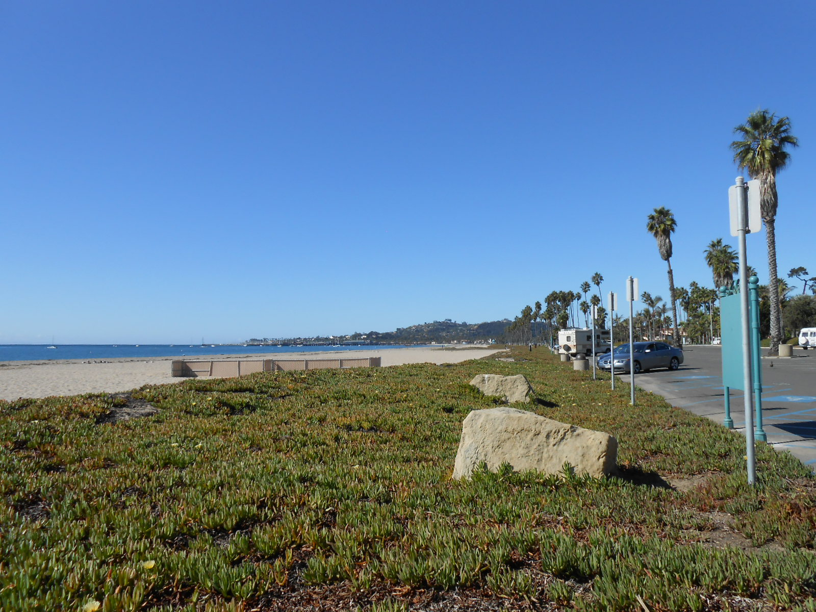 Cabrillo Boulevard Runs Along The Beach In Santa Barbara It S A Beautiful Palm Lined Promenade State Street Downtown Main Drag Ends At