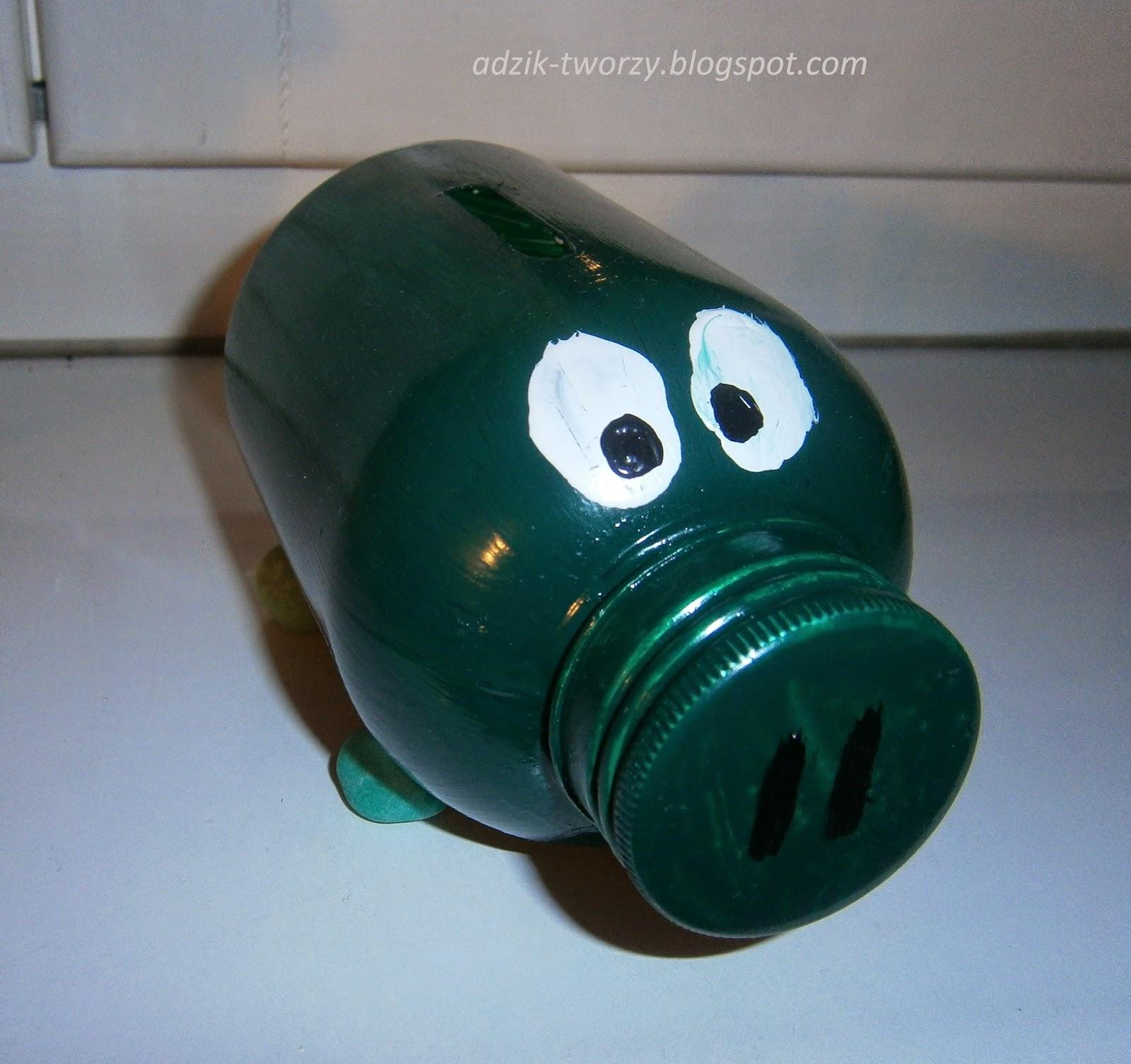 Świnka-skarbonka z recyklingu podczas tworzenia (cz. 2)