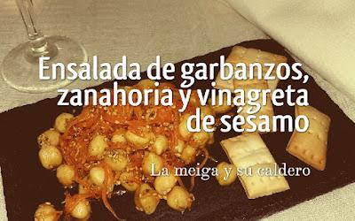Ensalada de garbanzos y zanahorias con vinagreta de sésamo