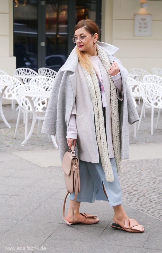 Eggshape Mantel und flache Schuhe von H&M