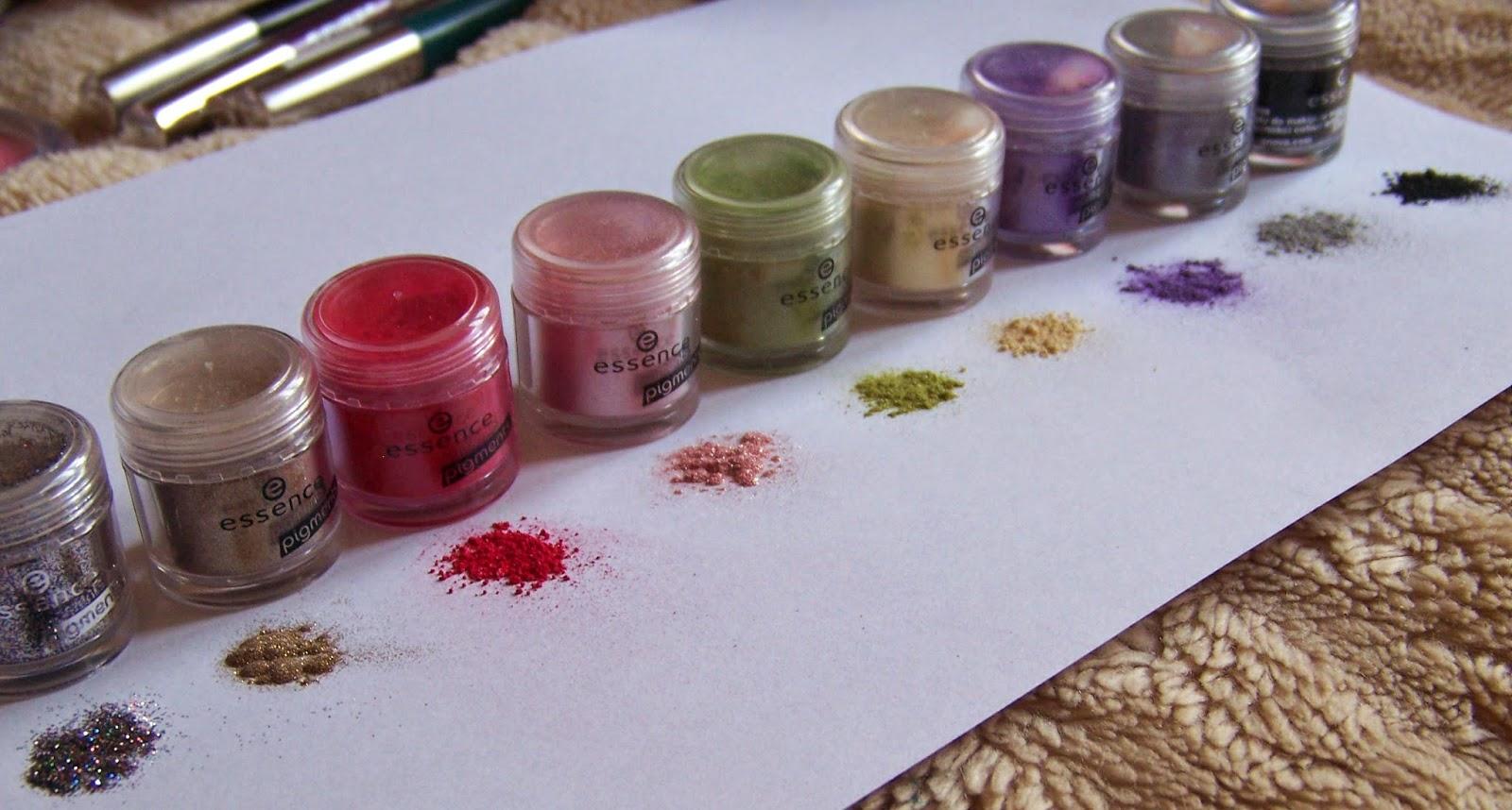 Kolorowe pigmenty Essence: swatche 9 kolorów