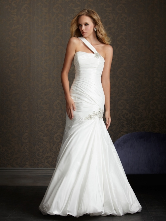 Bridal Dresses Uk Add Your Charm With One Shoulder