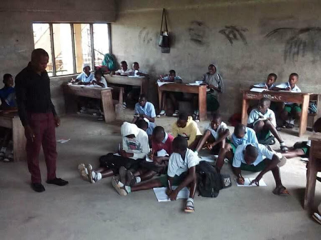 Adam Memorial Secondary School Araya, Delta State Where students sits on the floor to learn