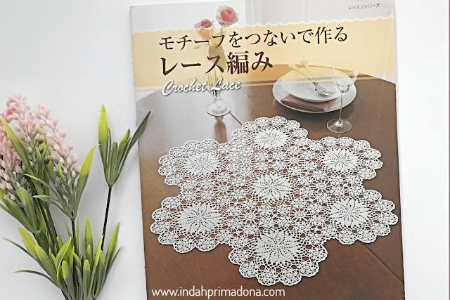 review crochet lace book. crochet book. crochet lace book. crochet lace, doily, table runner, crochet, buku rajut, buku rajut jepang