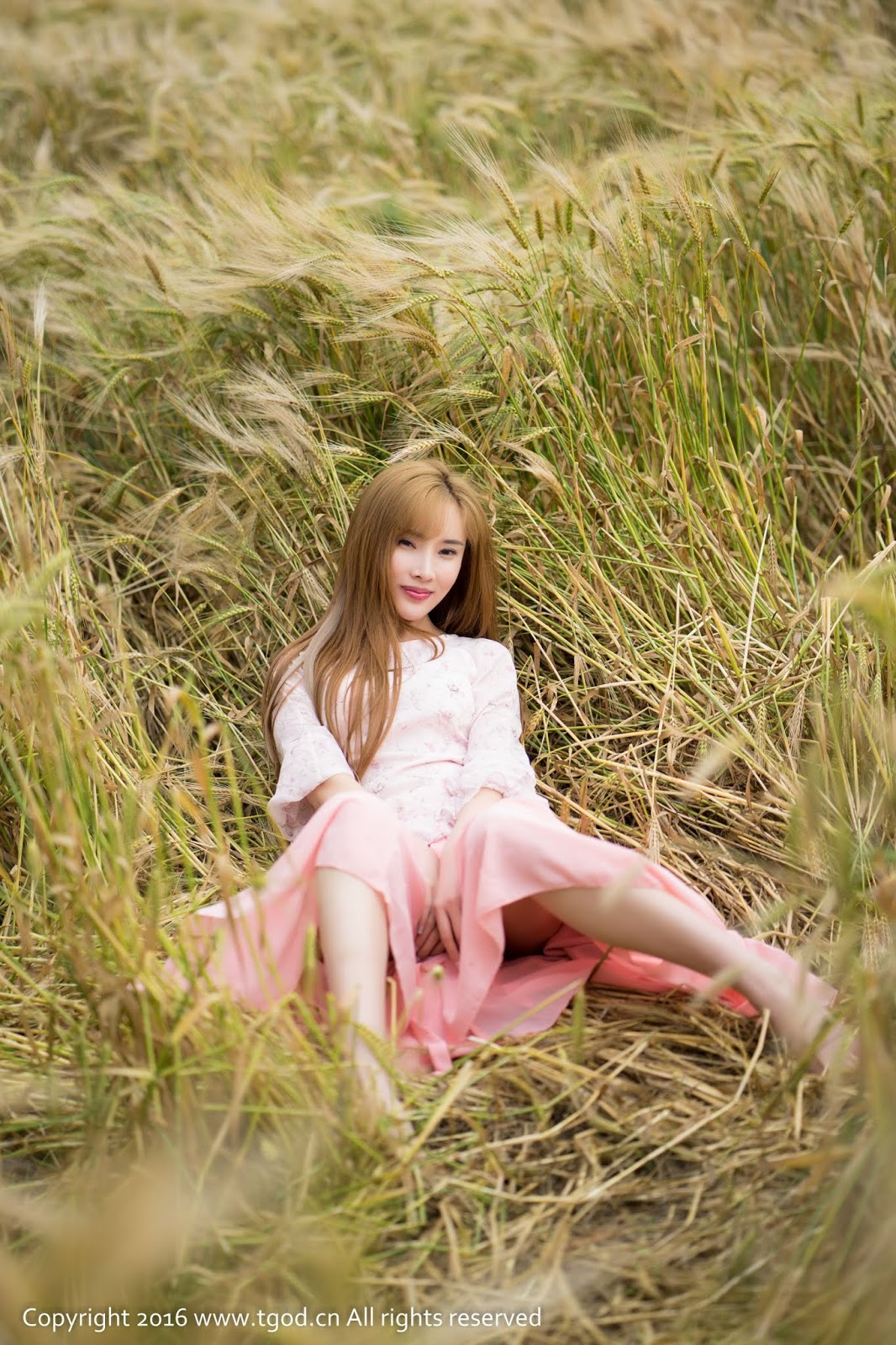 Chinese Girl 周妍希 - 土肥圆矮挫穷 TGOD 2016.06.07 (45 Pict)