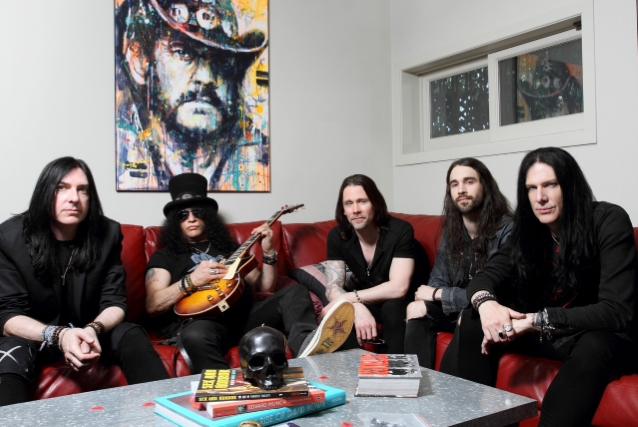Slash ft Myles Kenndy & The Conspirators: Concerto de Londres filmado para o próximo DVD