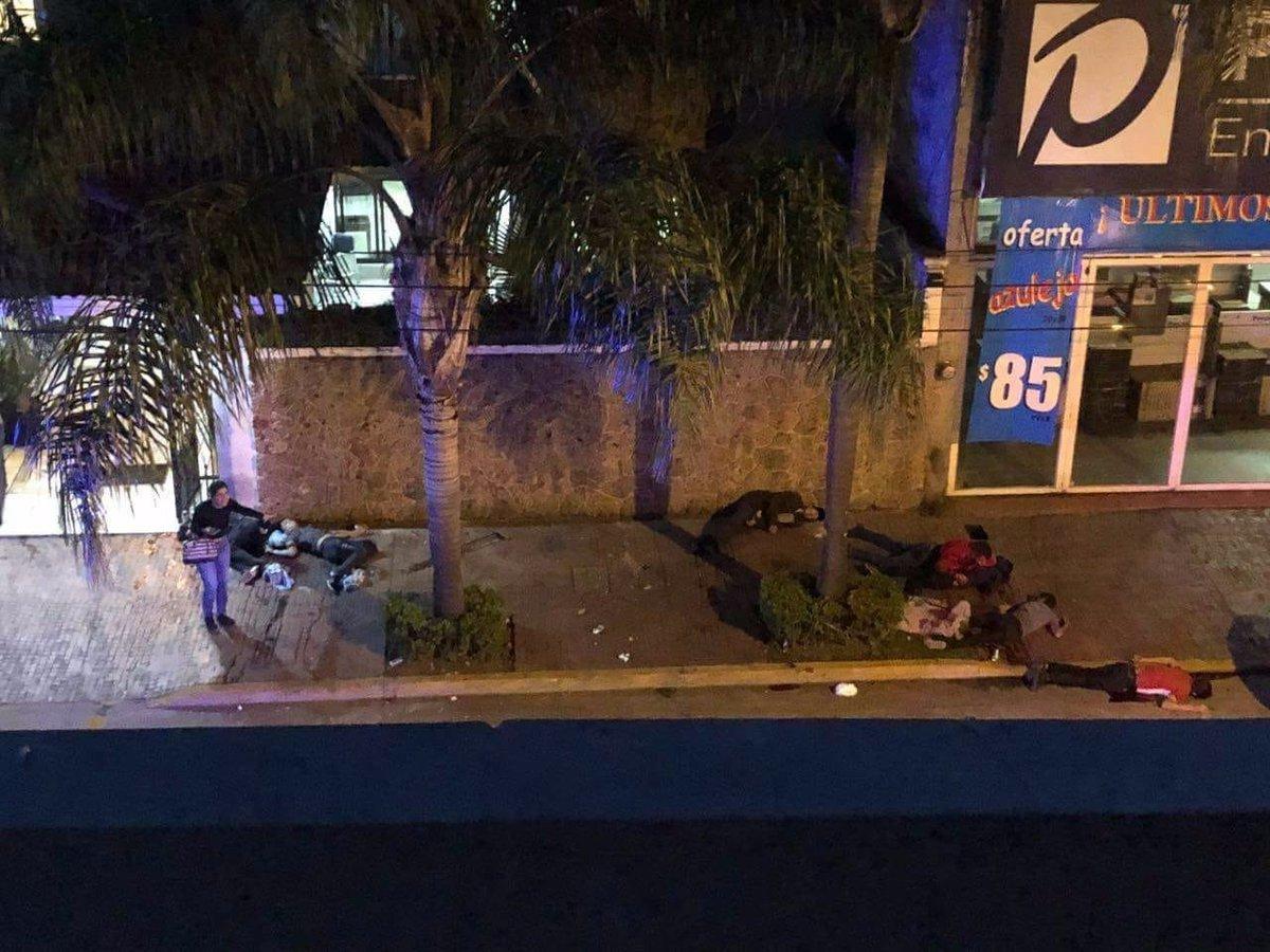 Fotos ataque de sicarios en Uruapan Michoacan deja 7 ejecutados
