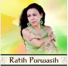 Download dan lirik lagu Ratih purwasih hitam putih fotomu