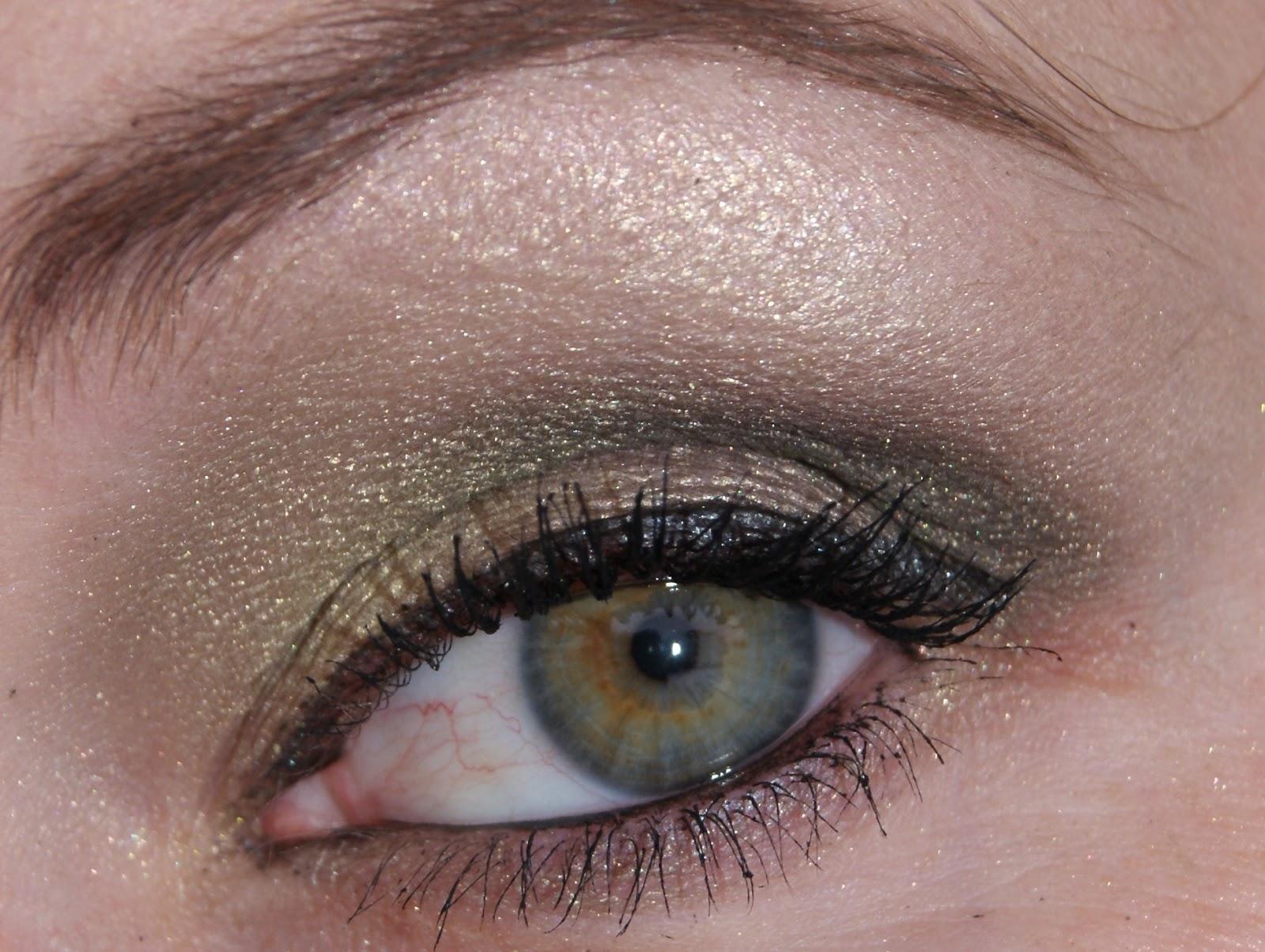 Kugelrund Und Kunterbunt Amu Reihe Grüne Augen Schminken Grün