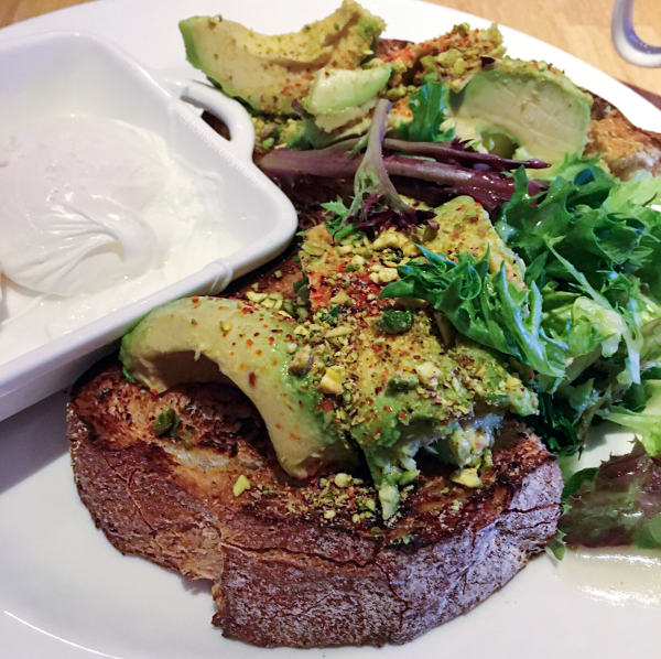 Avocado Toast - Edgar restaurant - Tori's Pretty Things Blog