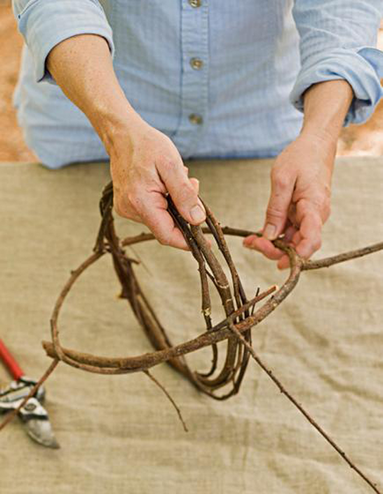 How to Make a Sphere from Dogwood Cuttings