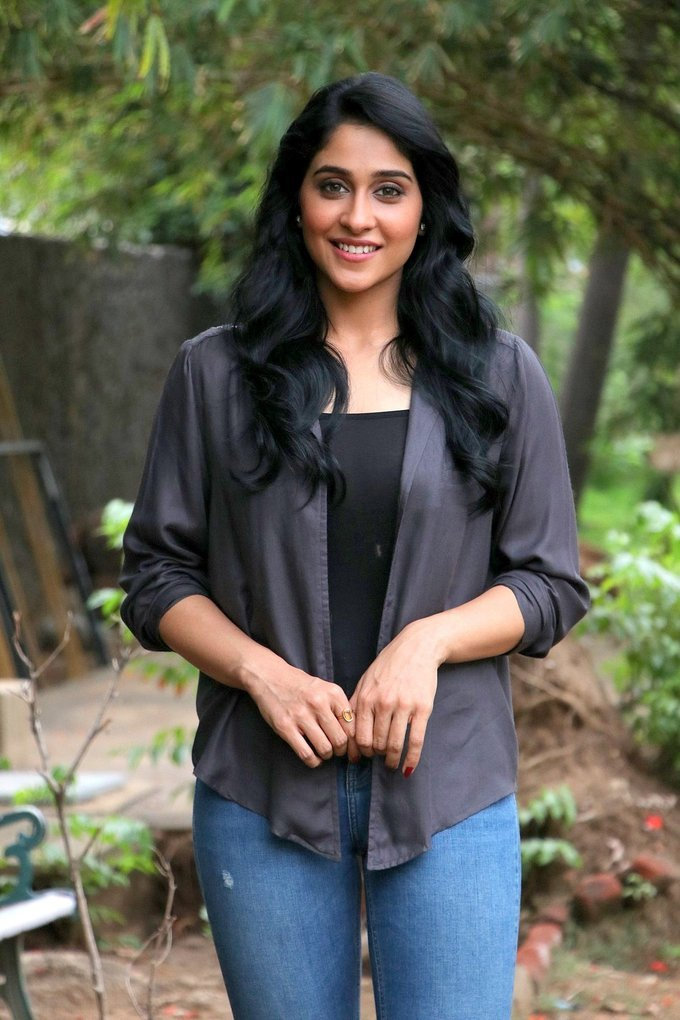 Regina Cassandra Real Face Without Makeup At Movie Press Show