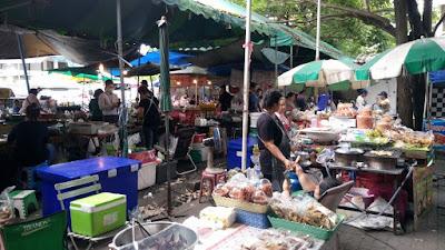 バンコク病院にある市場