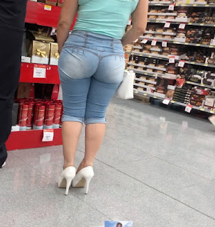 Mujeres caderonas ropa entallada