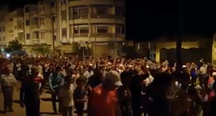 استعدادات لمسيرة بامزورن في ظل أنباء عن تحركات لإنهاء الأزمة