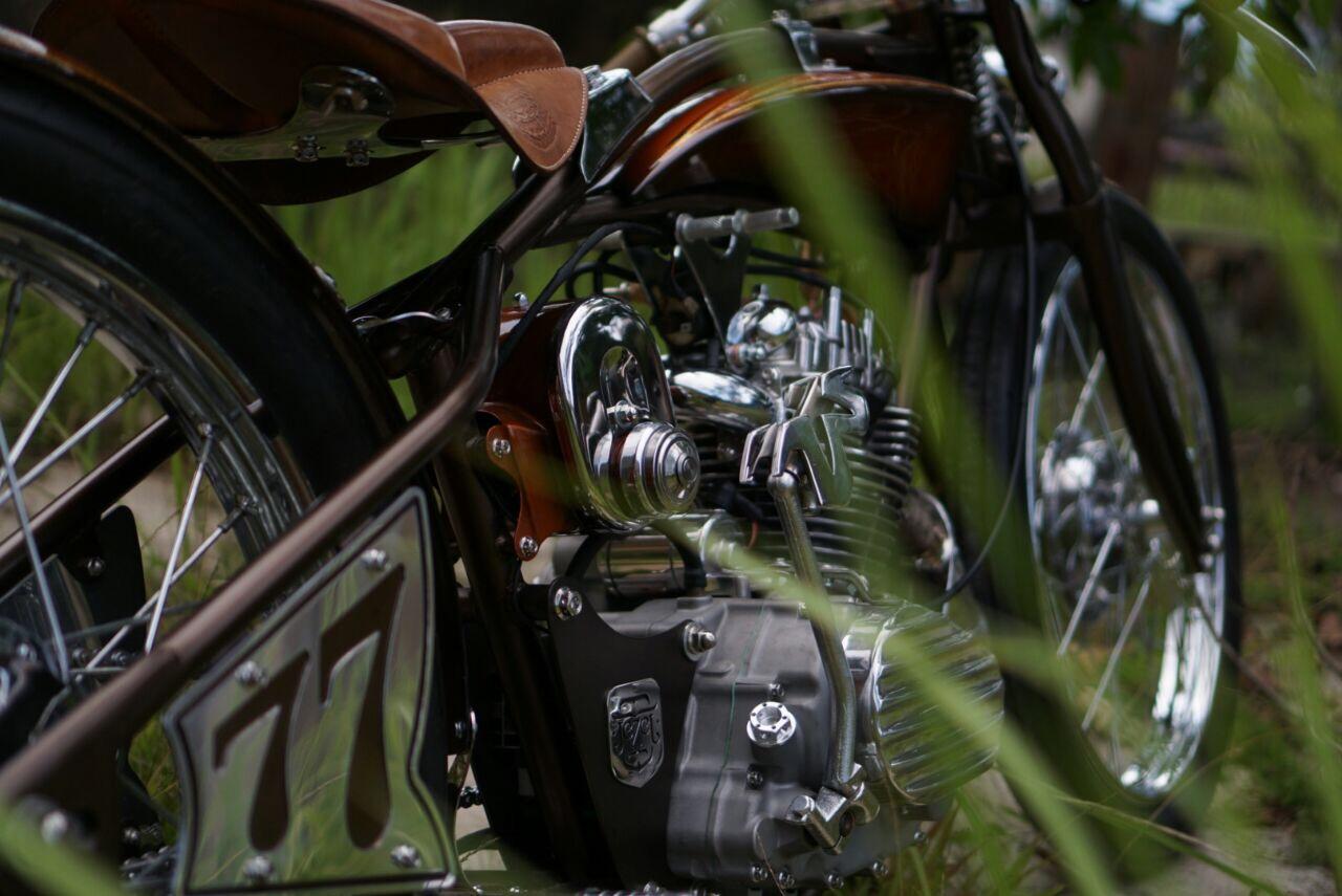 Rangka rigid motor retro klasik