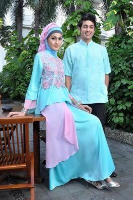 10 Baju Muslim Couple Bahan Satin Terbaru UPDATE!