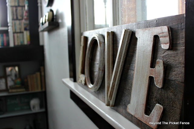 make a farmhouse sign from salvaged wood