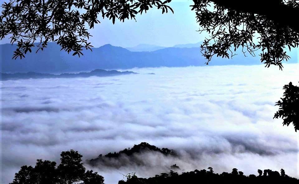 Skies in the Sajek Valley