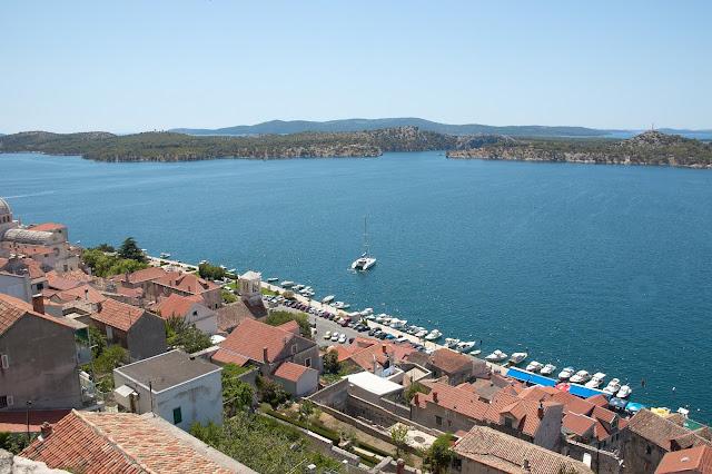 Sibenik, widok na zatokę i morze Adriatyckie