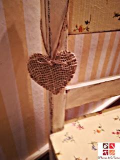 diy corazón de madera con tela de rafia