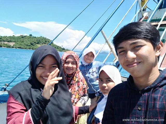 mudik sekaligus piknik keluarga bersama kapal ferry