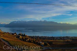 Pegunungan Alpen dari kejauhan