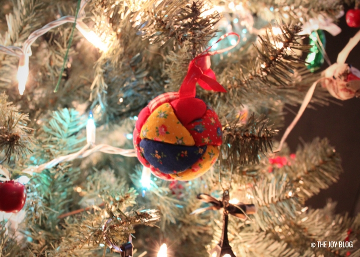 Vintage Christmas Ornament | My Favorite Holiday Season // WWW.THEJOYBLOG.NET