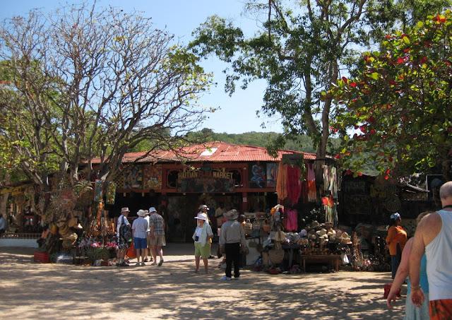 Labadee - Markt mit lokalen Produkten