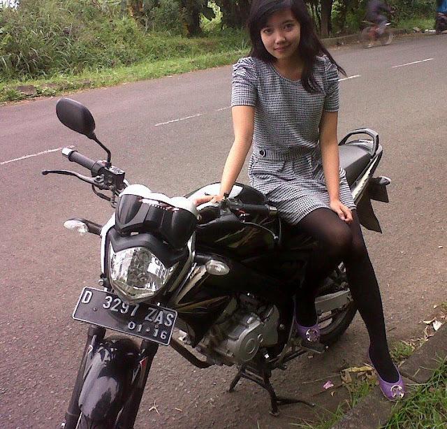Gadis18tahun.blogspot.com: Abg Seksi Pakai Legging Ketat