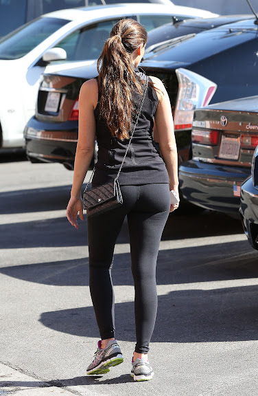 Fotos de Kelly Brook de biquíni - Kelly Brook Spandex