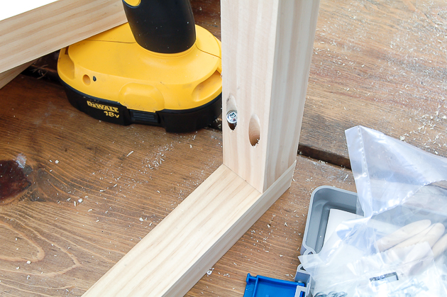 drilled pocket holes, kreg jig