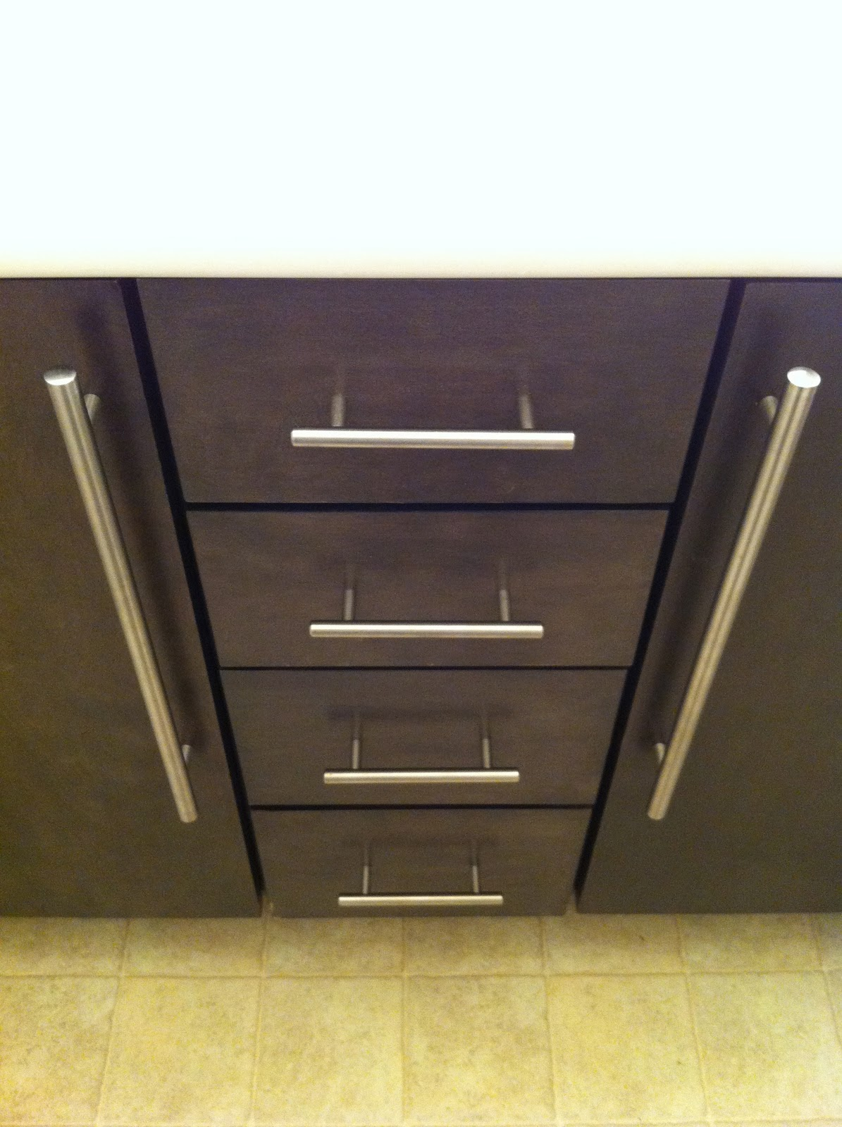 getting a handle on paint cabinets   stephrything