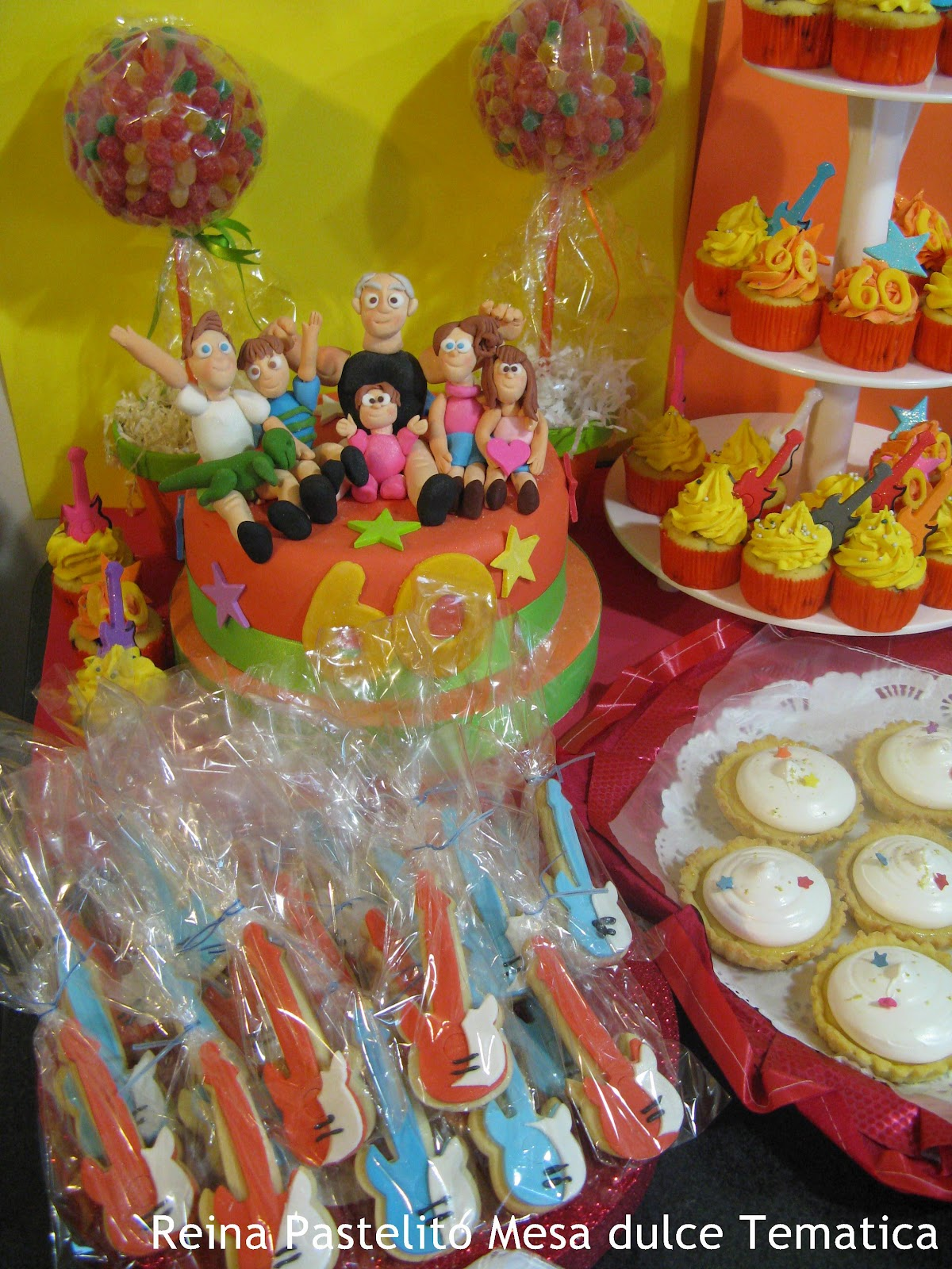 Reina pastelito cupcakes tortas mesa dulce para un - Mesa cumpleanos adulto ...
