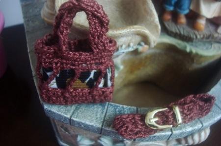 Cinto e bolsa de crochê  acessórios para Barbie criados por Pecunia MM