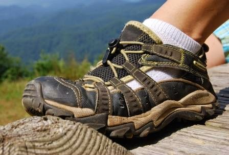 Tips how to choose hiking shoes