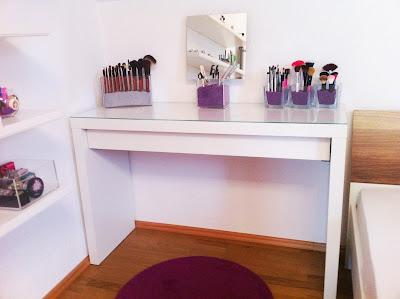 sabrina 39 s make up diary schminktisch tour. Black Bedroom Furniture Sets. Home Design Ideas