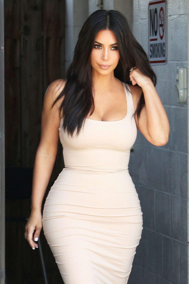 Kim Kardashian Leaving the studio in Van Nuys