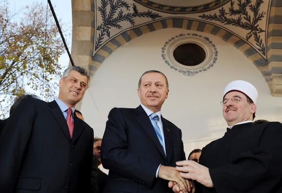 Οι ομόκεντροι κύκλοι της τουρκικής παρεμβατικότητας στα Βαλκάνια