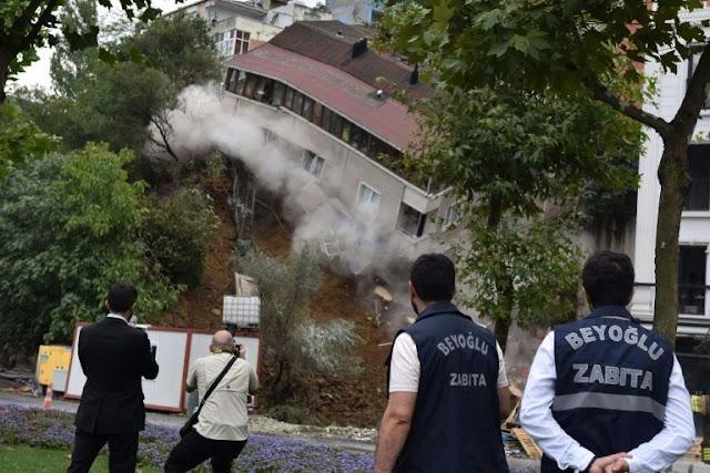 Κατέρρευσε τετραώροφο κτίριο στην Κωνσταντινούπολη μετά από καταρρακτώδεις βροχές (βίντεο)