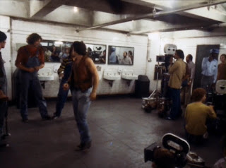 Filmando la escena de la pelea en los baños - The Warriors
