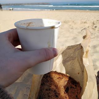 weekend à Saint Sebastien city guide the green frog playa de zurriola petit déjeuner sur la plage antojitos