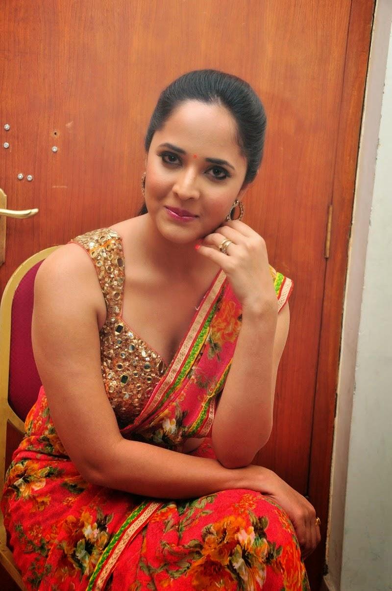 Anasuya Latest Photos In Saree At Vinavayya Ramayya Audio